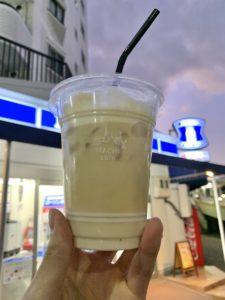 ローソンのカフェインレスアイスカフェラテ
